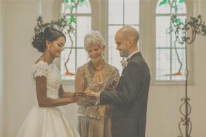 Auckland Based wedding celebrant